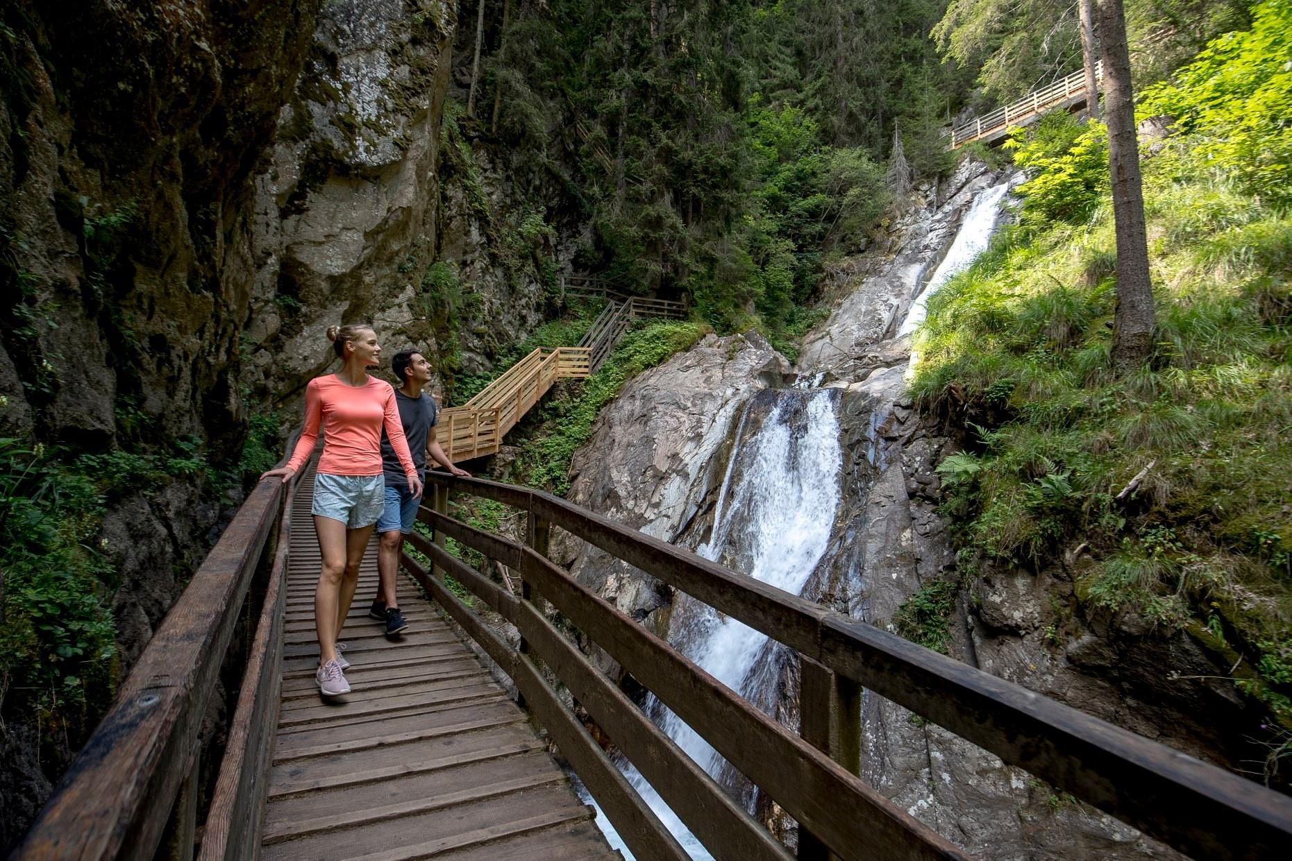 Der Günster Wasserfall & der Greim.